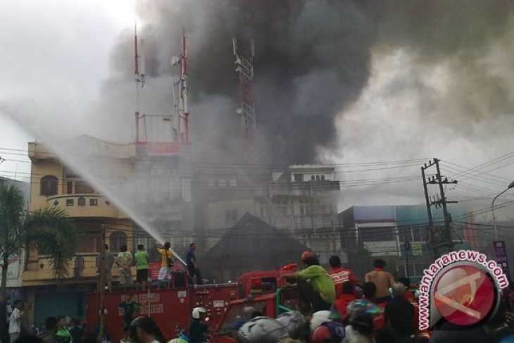Rumah kontrakan santri Darussalam ludes terbakar