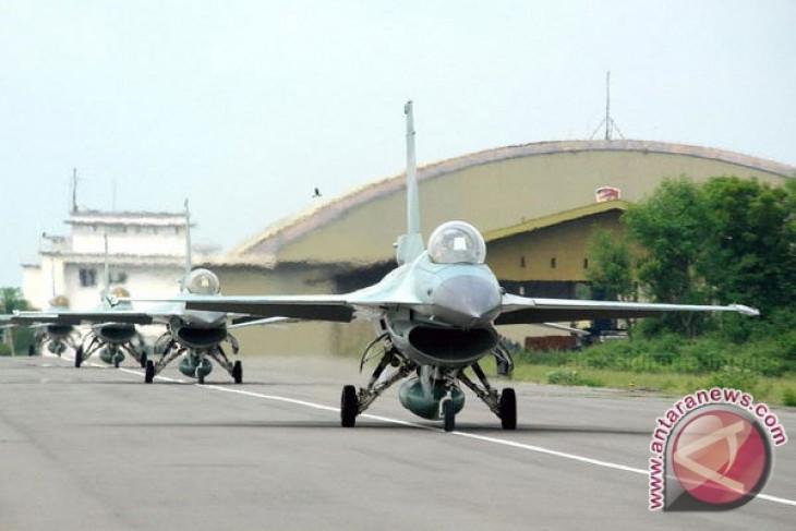 """Pemerintah sebaiknya beli baru ketimbang """"upgrading"""" F16"""