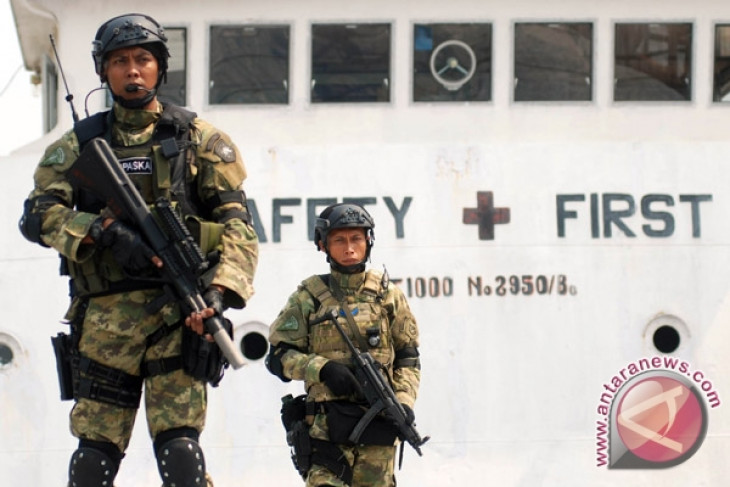 Koarmatim Kenalkan Kekuatan TNI-Al Lewat Buku