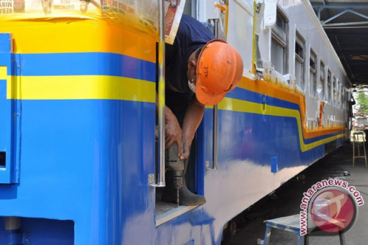 Pt kai preparing 28 additional trains for lebaran travelers d pt kai preparing 28 additional trains for lebaran travelers d reheart Choice Image