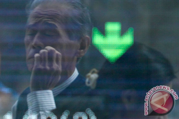Bursa saham Tokyo ditutup melemah tertekan penguatan yen