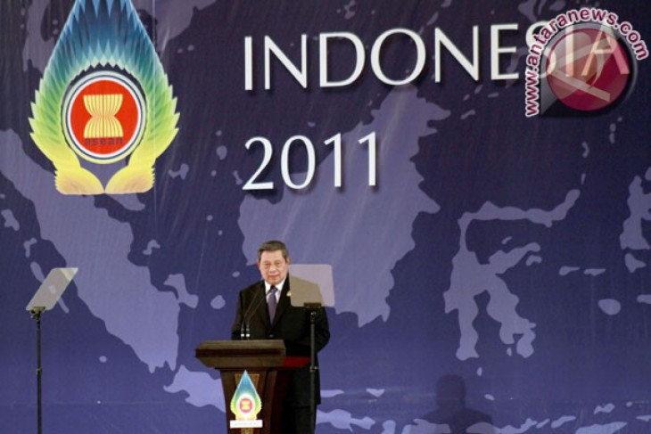 ASEAN+3 leaders emphasize need to cooperate in tackling crisis