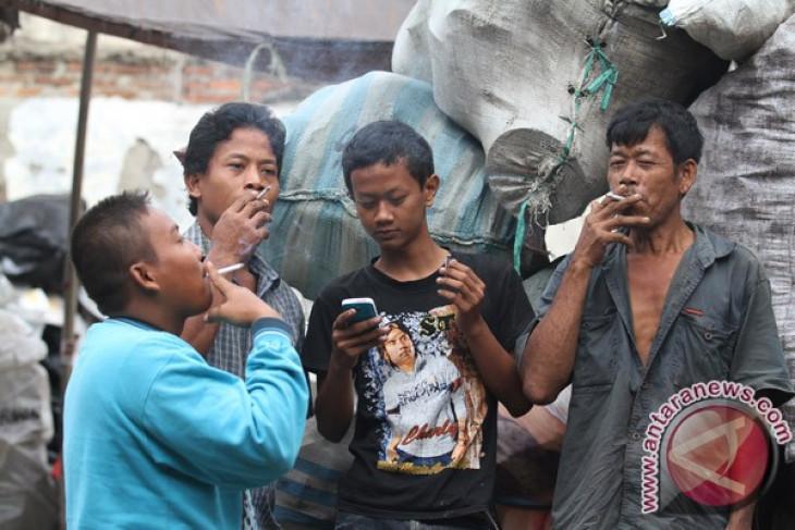 Pemicu kemiskinan di Kaltim belanja beras dan rokok