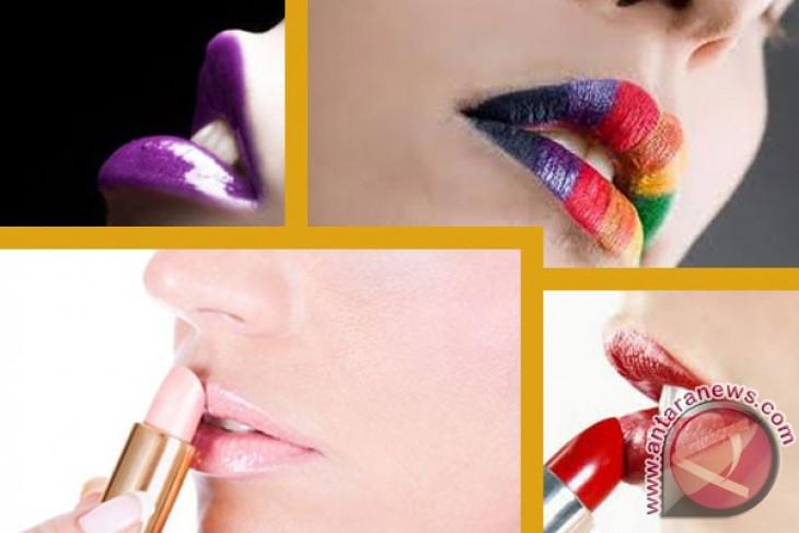 Make up yang cocok untuk lipstik merah menyala