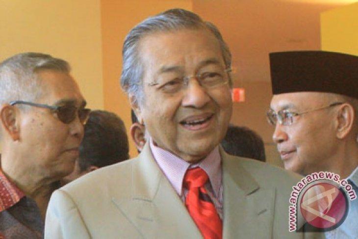 Istri Najib Razak 13 jam di KPK