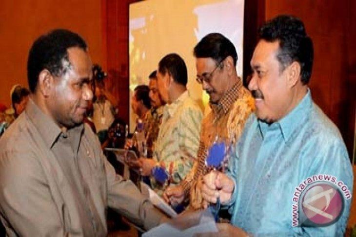 Menteri LH beri penghargaan