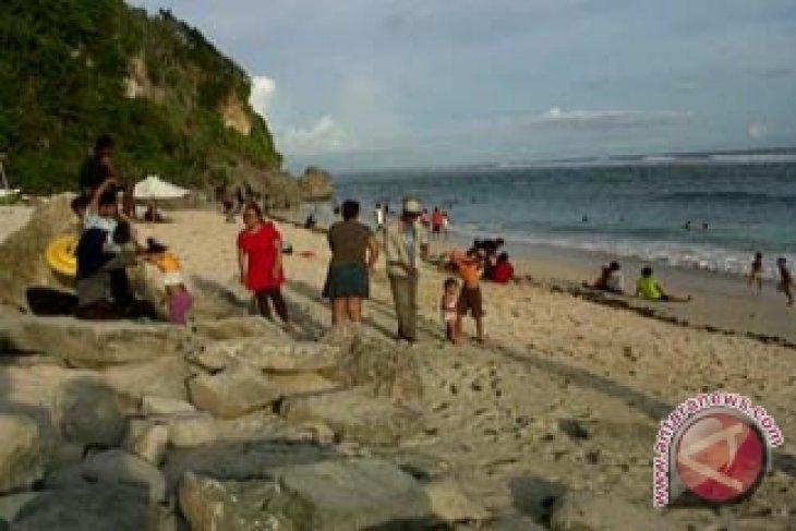 Pantai Panorama Tebing Tujuan Libur Natal