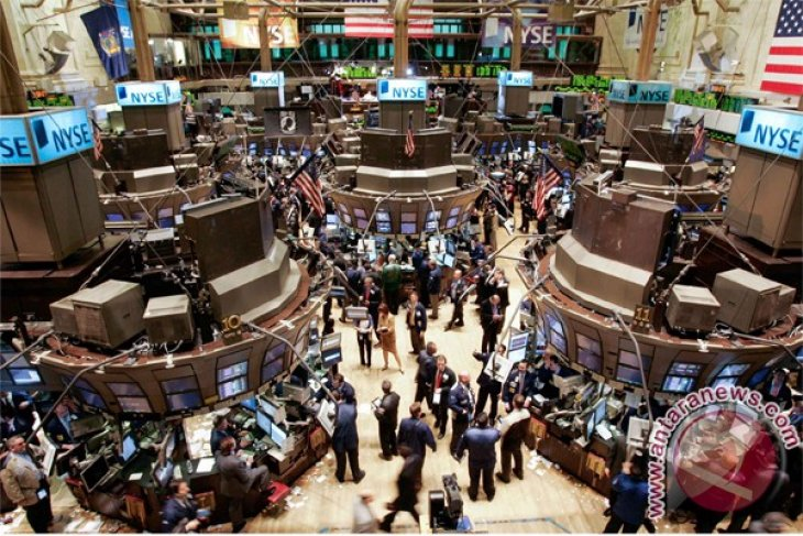 Wall Street menguat usai keputusan Fed, Dow naik 0,21 persen