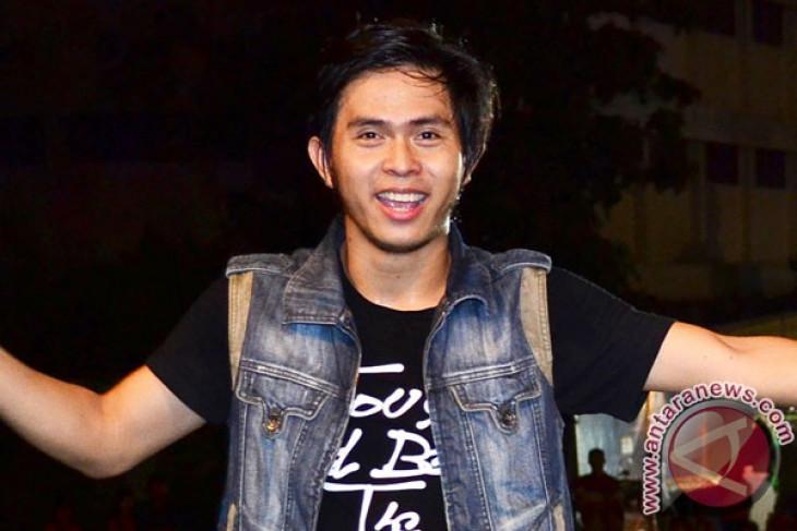 Cakra Khan sabet Anugerah Planet Muzik 2013 di Singapura