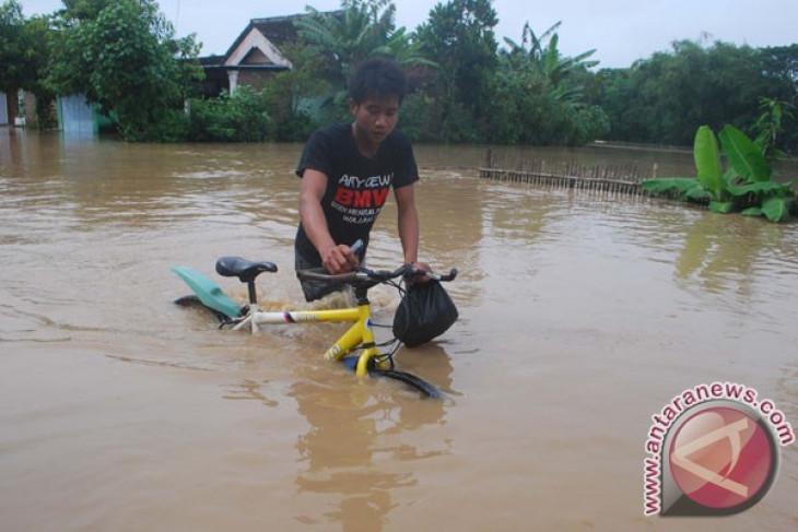 Banjir Ngawi mulai surut