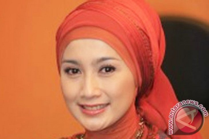 Desy Ratnasari siap jadi calon Bupati Sukabumi