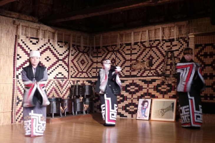 Mengenal Ainu penduduk asli Hokkaido