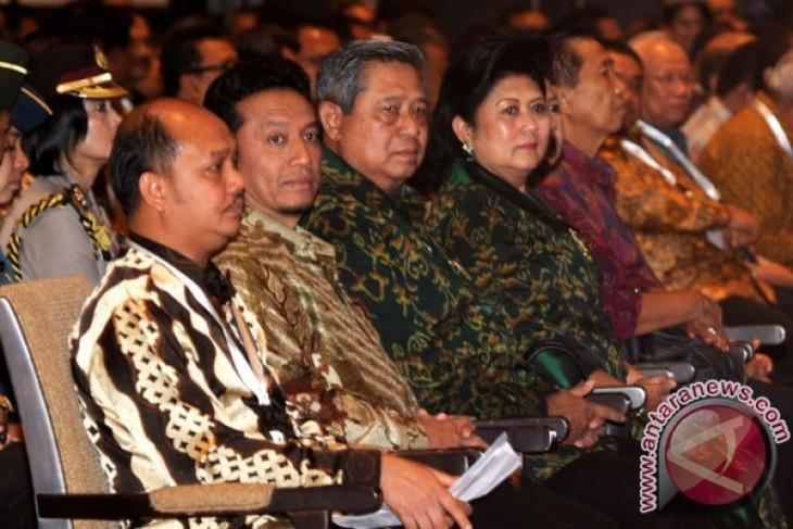 Presiden bersama 8 menteri hadiri pertemuan pemred
