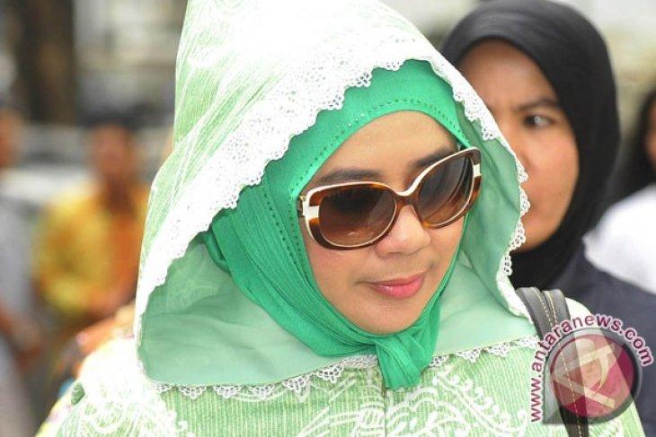 Syarifah Jenguk Rusli Zainal