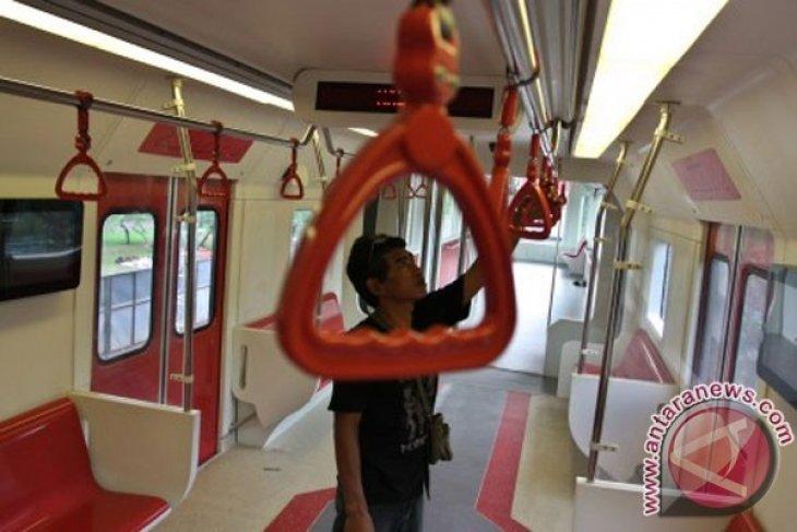 Monas shows prototype of Jakarta`s future monorail