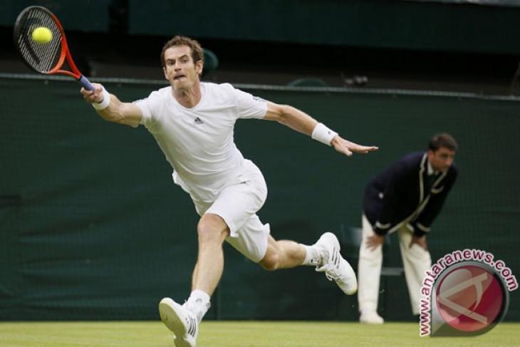 Semifinal Wimbledon harus dihentikan karena minimnya cahaya