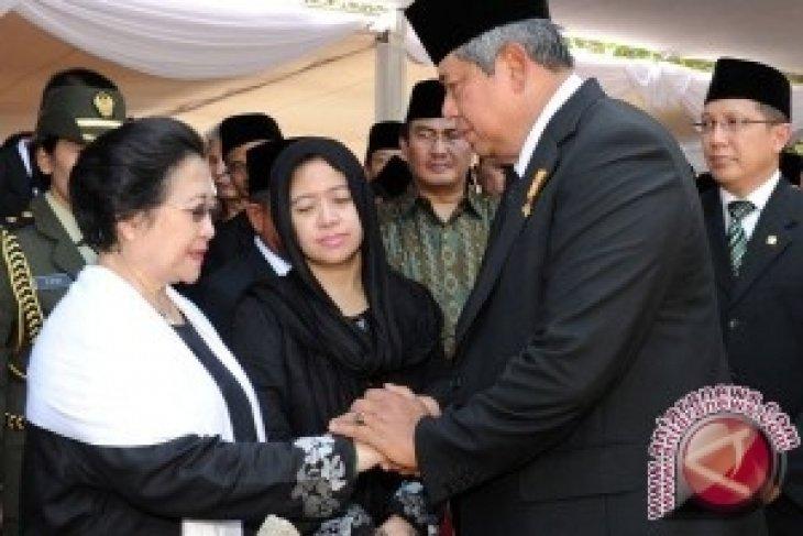 KPAI berikan penghargaan khusus pada Megawati dan SBY