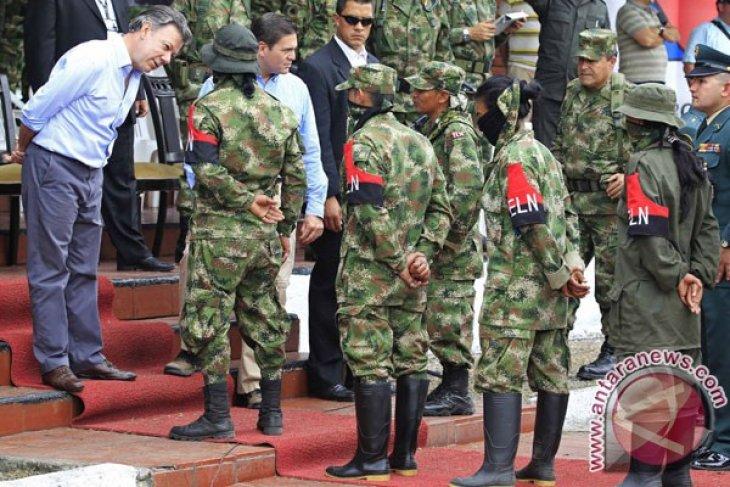 Saluran pipa minyak Trasandino Kolombia rusak akibat serangan bom