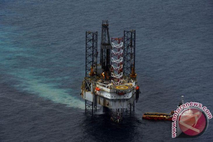 Harga minyak mulai melonjak, persedian AS jatuh