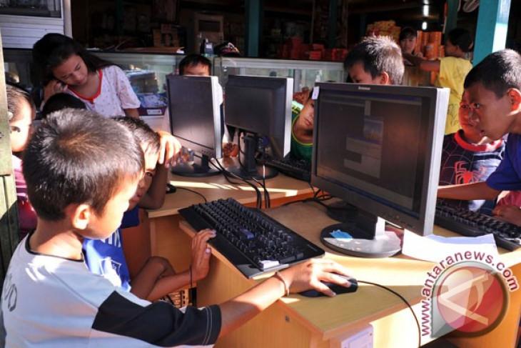 77 desa di Halmahera Selatan bisa berinternet