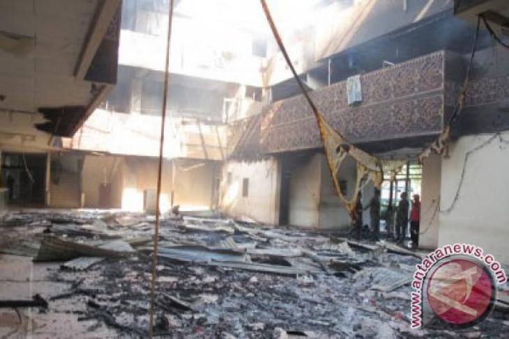 Kantor gubernur NTT terbakar