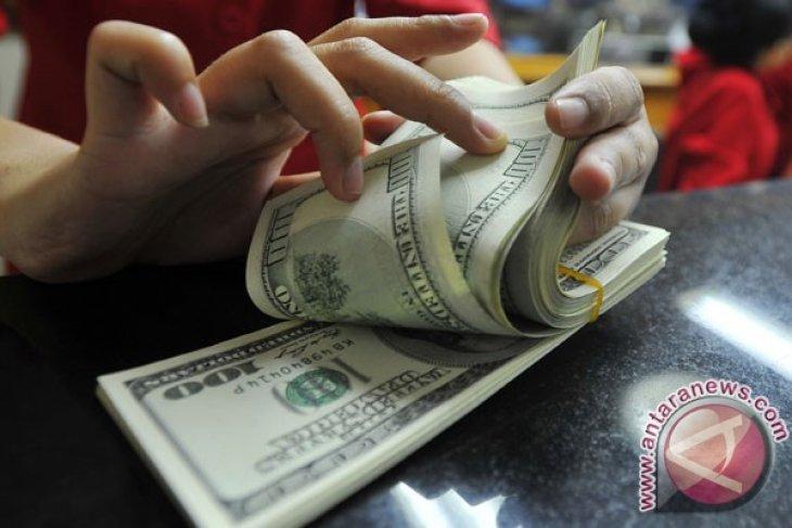 Dolar melemah tertekan kemungkinan penundaan kenaikan suku bunga