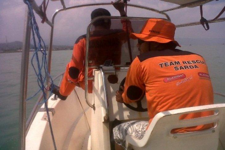 Balawista Sukabumi Selamatkan Dua Wisatawan Terbawa Arus