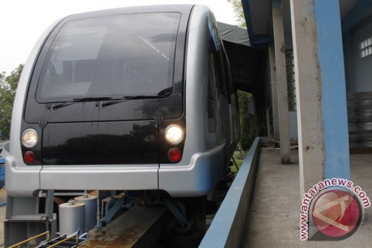 Jakarta monorail project must go on: ministry