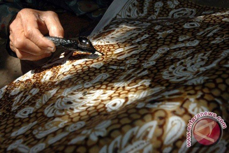 Motif Batik Asli Karawang Diduga Dijiplak