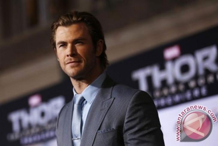 Chris Hemsworth pria terseksi versi majalah People
