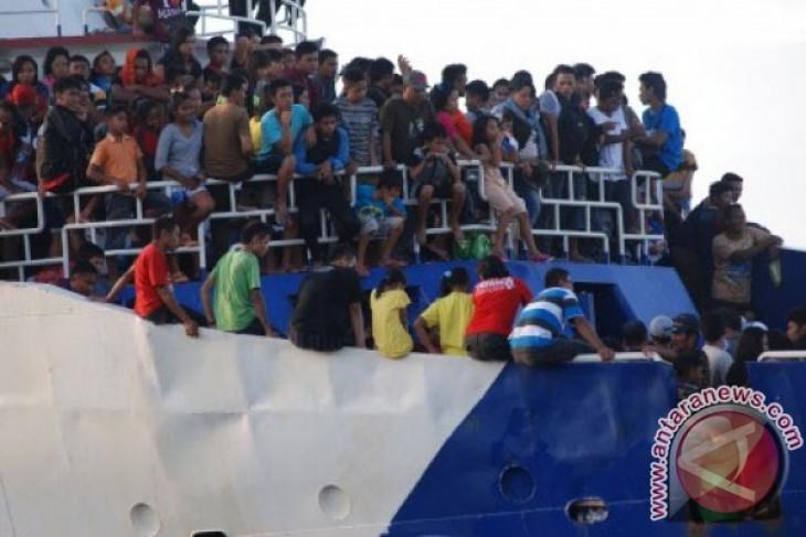 Hari ini puncak mudik penumpang kapal laut Tahuna-Manado