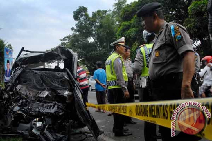 Korban tewas kecelakaan Probolinggo jadi 18 orang