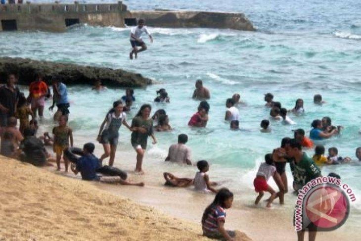 OJK pariwisata sektor ekonomi prioritas di Maluku