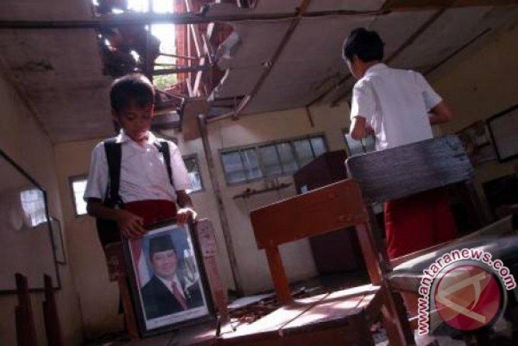 Waduh, Ribuan Ruang Kelas Sekolah Di Karawang Rusak