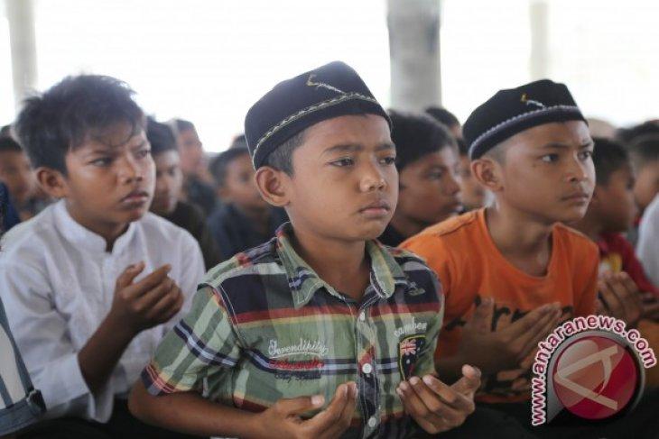 Anak Yatim Aceh Sumbang Untuk Palestina