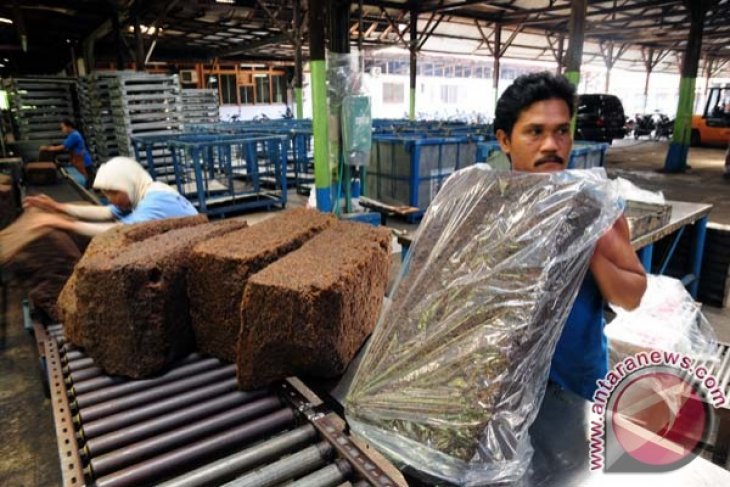 Kaltim serahkan gudang ke UPPB Lancar Jaya