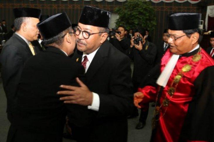 Rano Hadiri Pelantikan Pimpinan DPRD Banten