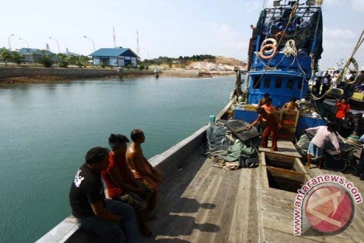 Ministry impounds two Philippine-flagged fishing boats in Sulawesi Sea