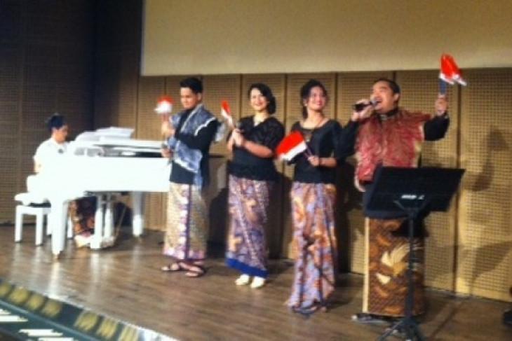 Dian HP kenang pejuang Indonesia lewat alunan lagu