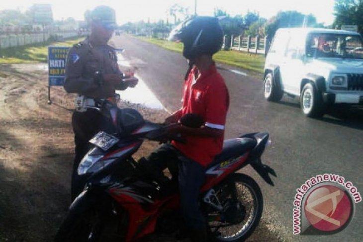 Polres Mukomuko Gunakan E-Tilang Tindak  Pelanggar Lalu Lintas