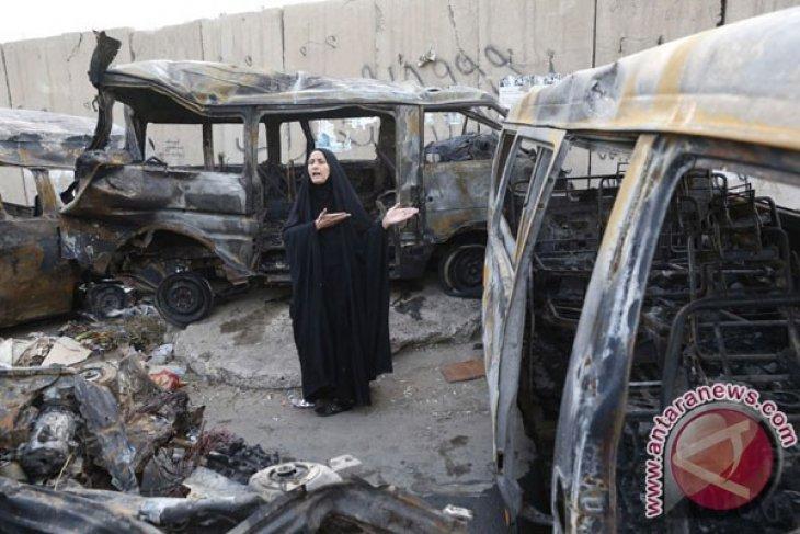 Bus bawa bom di Irak tewaskan belasan  orang
