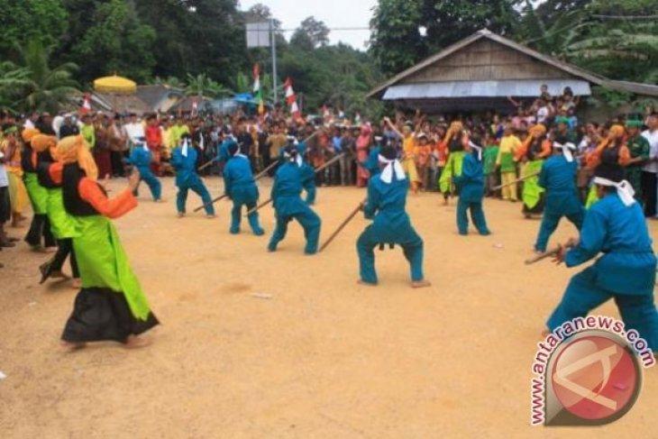 Pemkab Apresiasi Pelaksanaan Pesta Adat Suku Jerieng