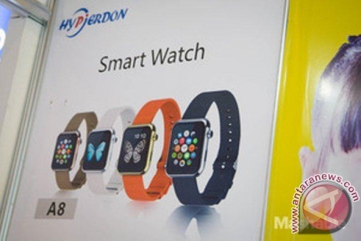 Tiruan Apple Watch ini dijual 27 dolar di CES 2015