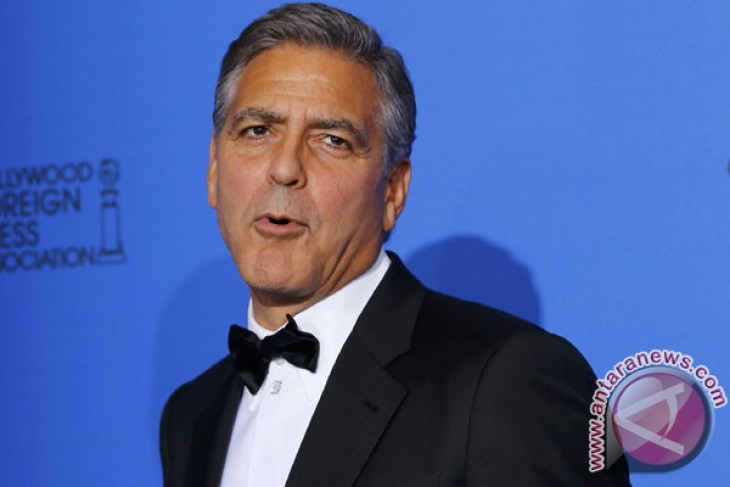 George Clooney kecelakaan motor di Italia