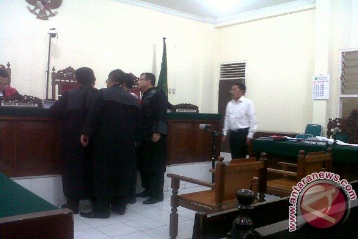 Saksi Akui Tandatangani Kuitansi Kosong Dana Bansos