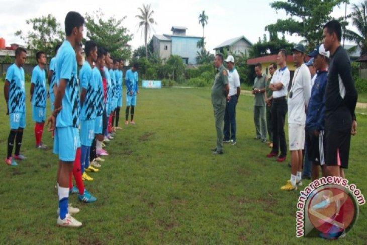 Wakil Bupati  Ketapang Tinjau Latihan Tim Persikat