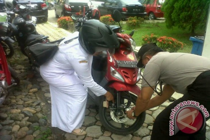 Polresta Bagikan Kunci Gembok Kurangi Pencurian Motor