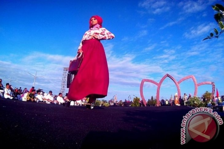 Banyuwangi Gelar Islamic Fashion Week di Muncar
