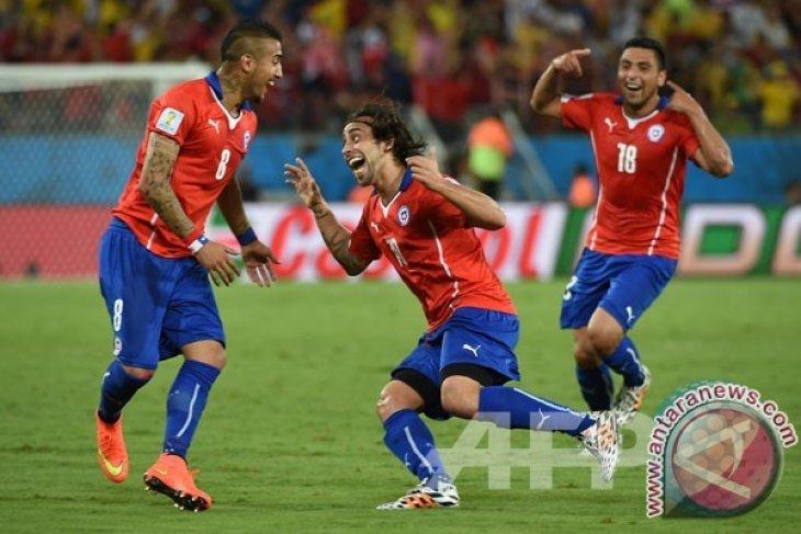 Chile Tundukkan Kamerun 2-0 Berkat Gol Vidal dan Vargas