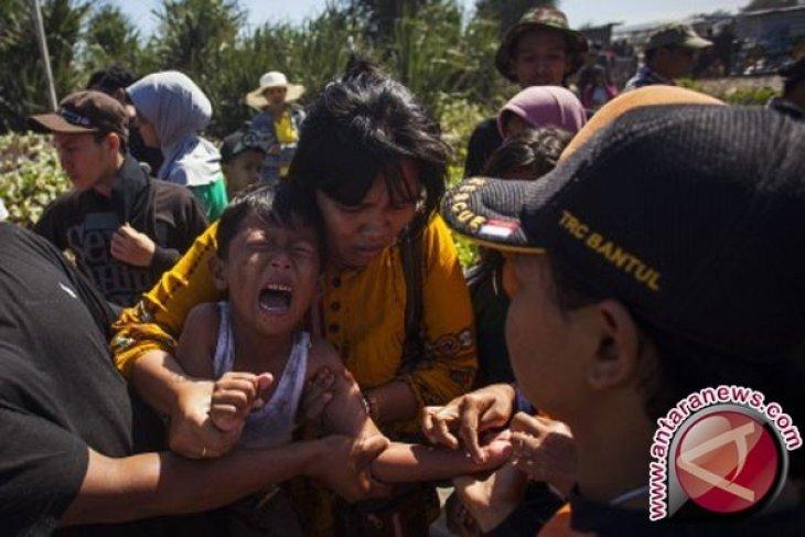 500 lebih wisatawan tersengat ubur-ubur saat liburan di Pantai Baron